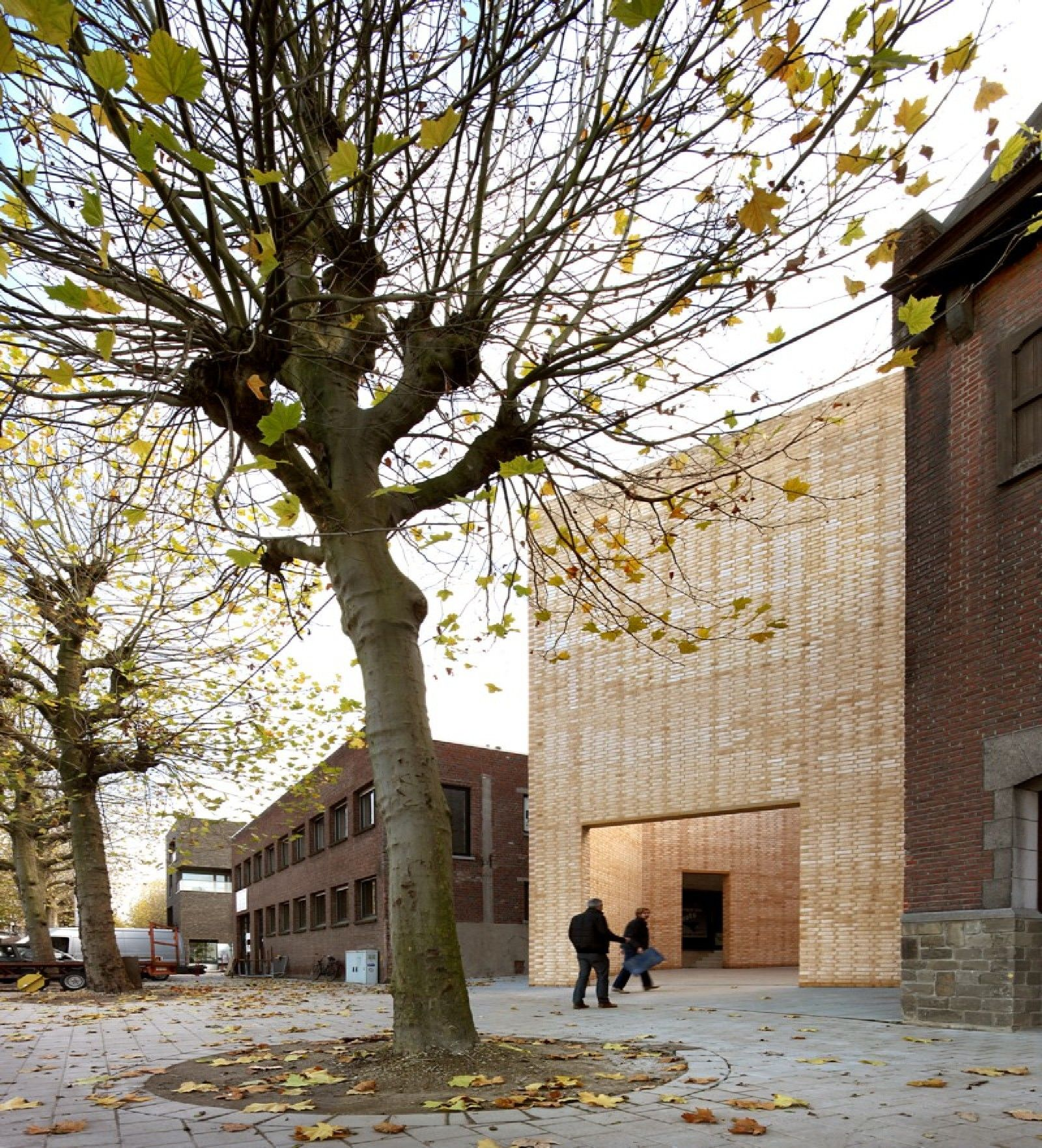 51n4e buda art centre kortrijk belgica floornature for Dujardin kortrijk
