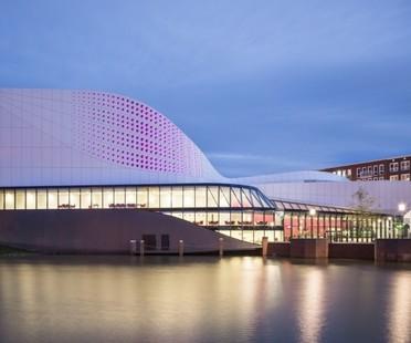 Ben van Berkel  UNStudio, Theatre de Stoep en Spijkenisse