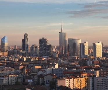 """Exposición Grattanuvole (""""Rascanubes""""). Un Siglo de Rascacielos en Milán"""