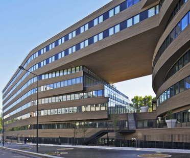 MVRDV: edificio de oficinas Pushed Slab en París