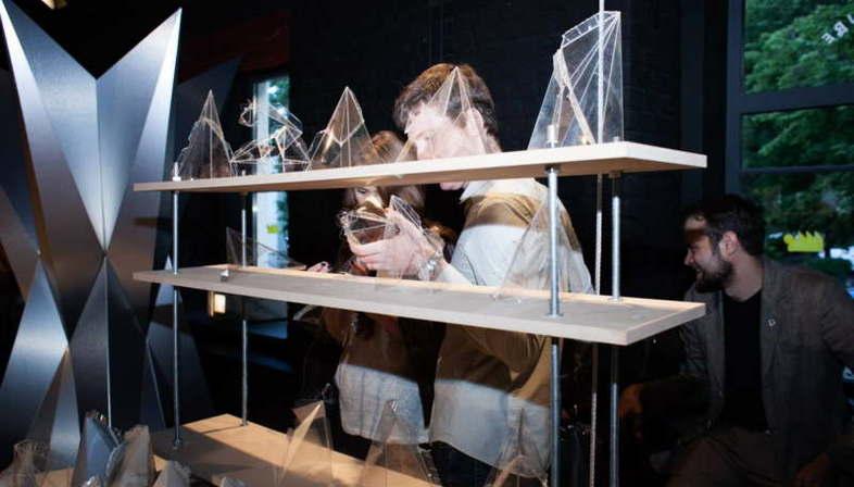 Exposición Minifacture SuperSurfaceSpace Moscú