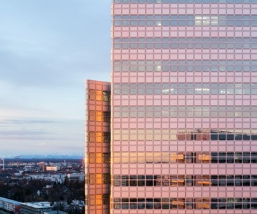 Reabre la HVB-Tower. Henn firma la transformación energética