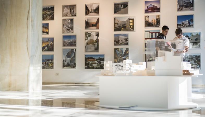 Seis arquitectos coreanos en SpazioFMG