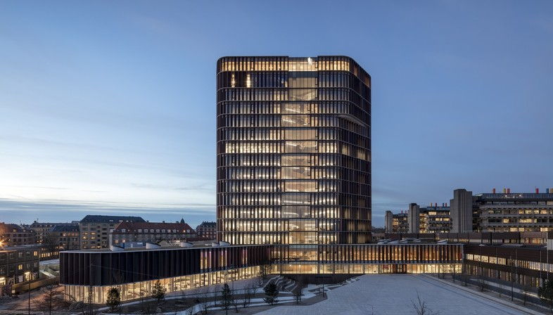 C.F. Møller Architects Maersk Tower edificio emblemático en Copenhague