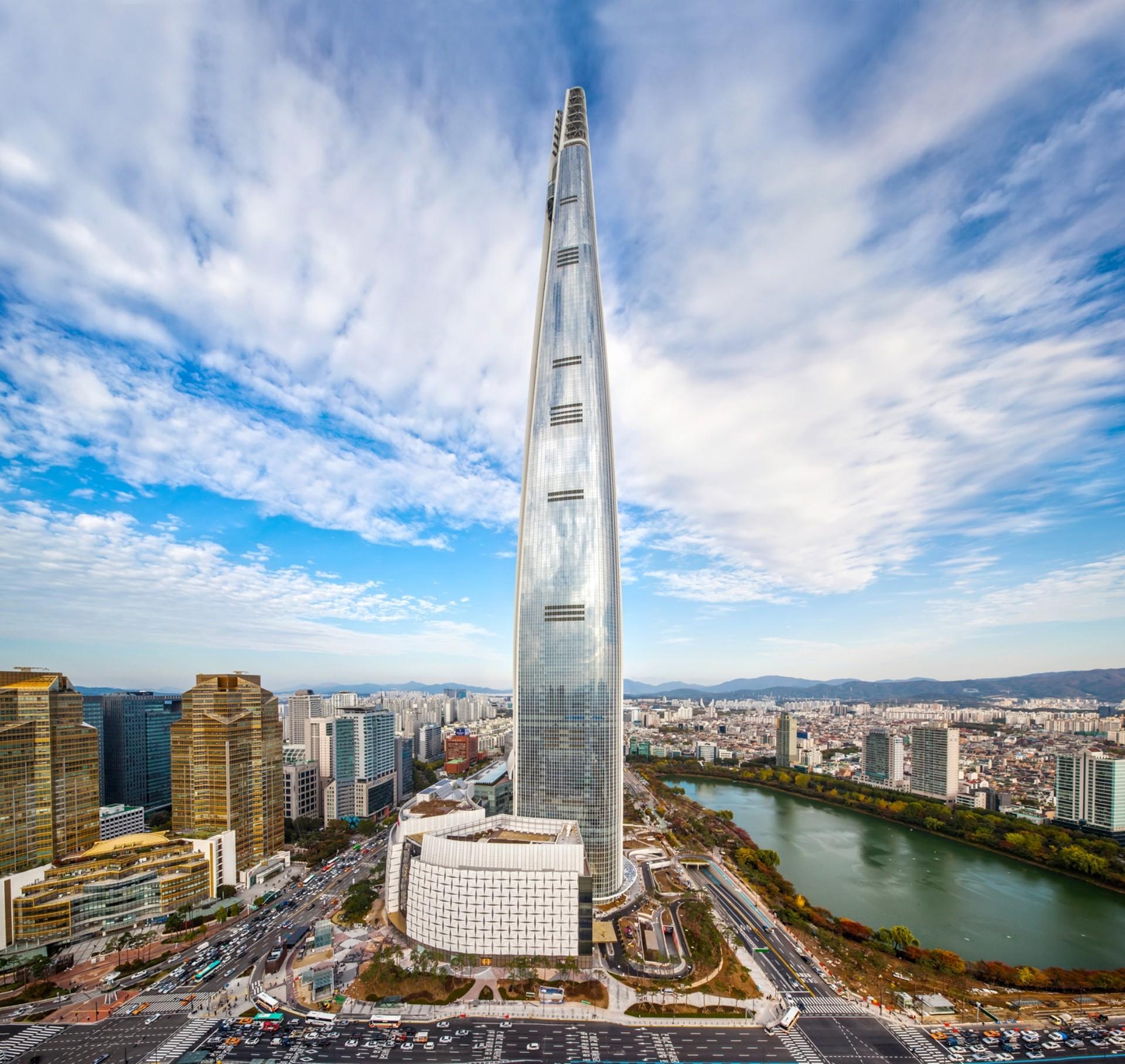 Lotte World Tower el quinto rascacielos más alto del mundo está en Seúl