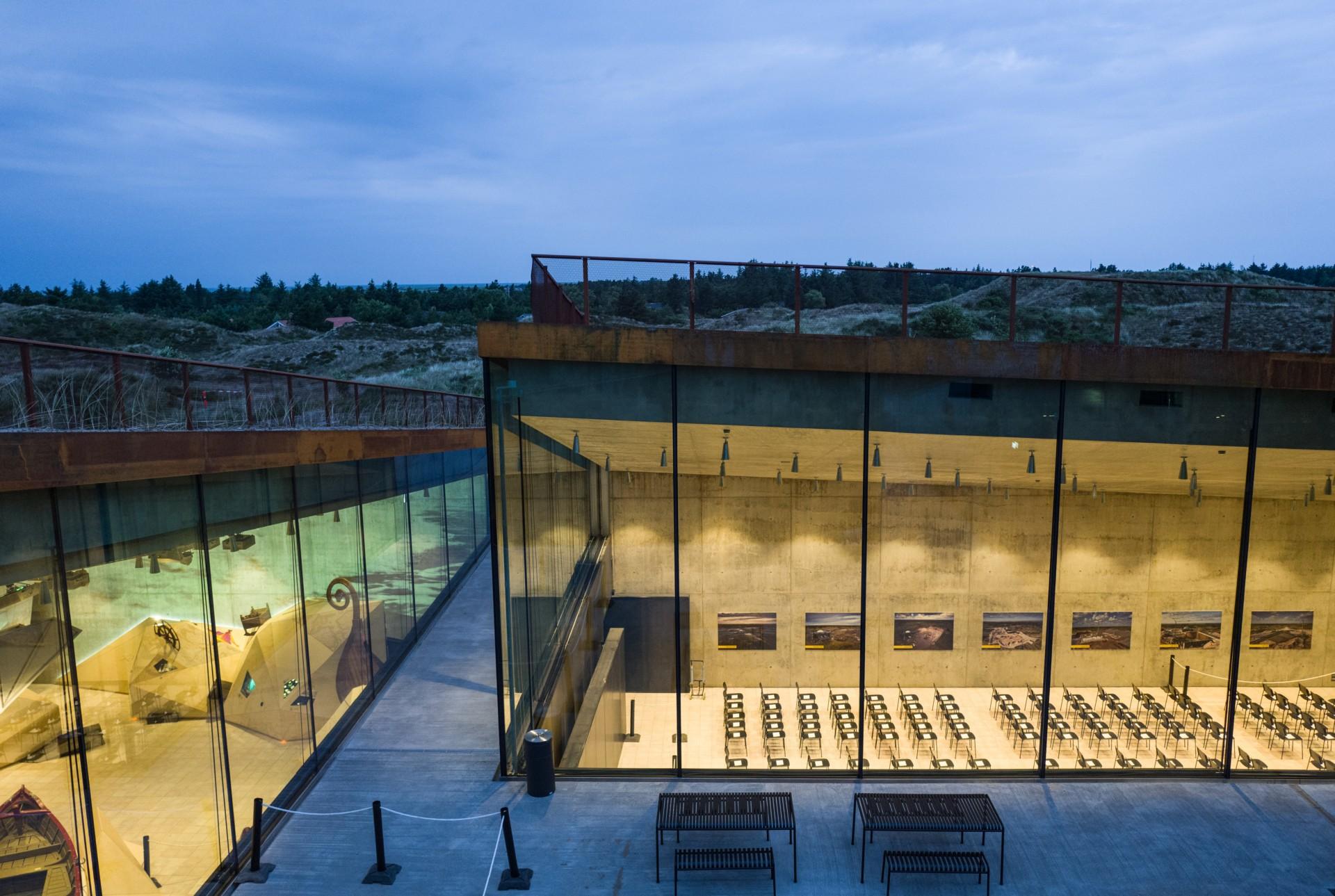 BIG Bjarke Ingels Group Tirpitz, el museo invisible, en Dinamarca