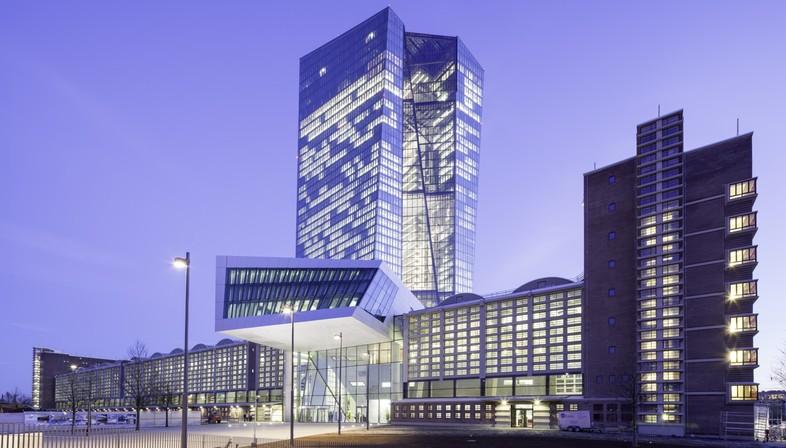 COOP HIMMELB(L)AU sede del BCE en Fráncfort