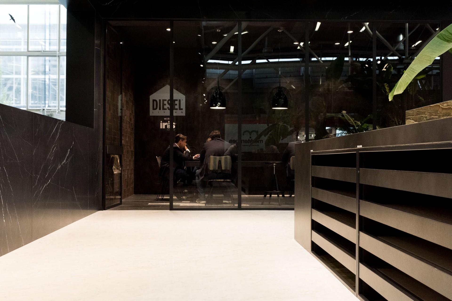 Iris ceramica - FMG Fabbrica Marmi e Graniti - Eiffelgres en Cersaie 2017