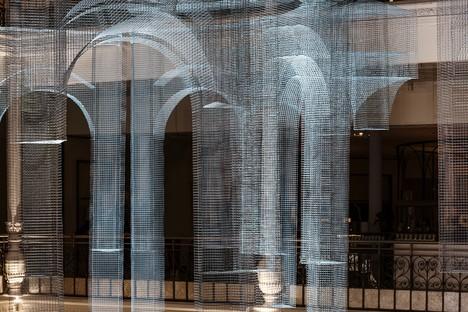 Edoardo Tresoldi Aura instalación site specific en París