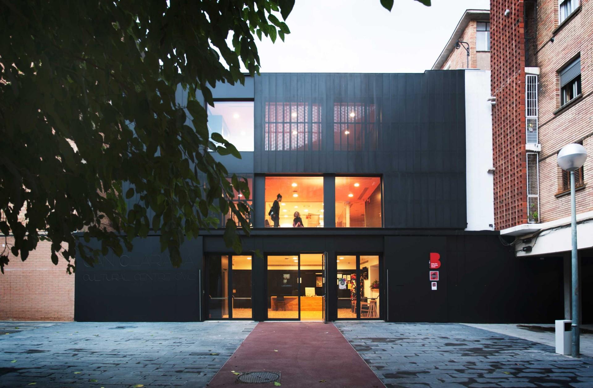 Bcq arquitectura centro civico can clariana cultural - Arquitectura barcelona ...
