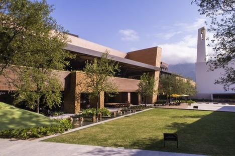 Carranza Ruiz Arquitectura Centro Comercial Pueblo Serena Monterrey México