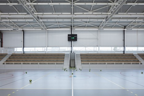 Cuboid Architekti City Sports Hall en Kuřim República Checa