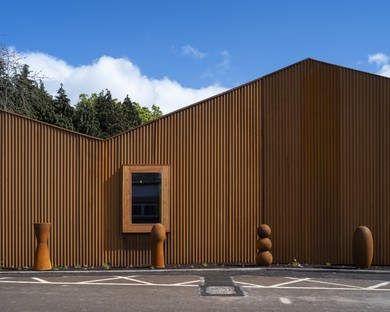 Dow Jones Architects Maggie's Cancer Centre en el Velindre Hospital de Cardiff