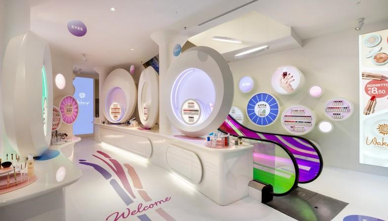 FUD di Lombardini22 ha proyectado la nueva tienda WakeUp Cosmetics en Milán