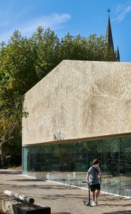 Dominique Coulon & Associés Mediateca y parque público en Pélissanne