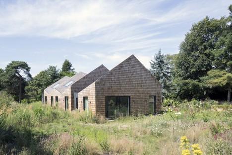 Blee Halligan Architects de henil a B&B, Five Acre Barn en Suffolk