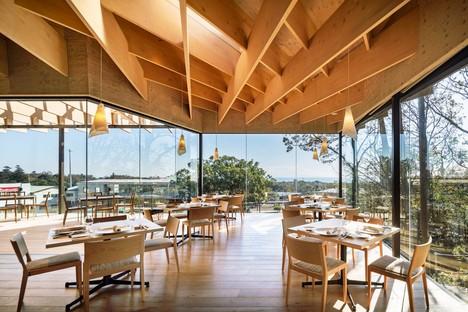 Kengo Kuma & Associates restaurante panorámico Mikuni Izu Kogen Shizuoka