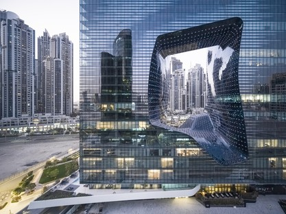 Zaha Hadid Architects ME Dubai hotel y The Opus en Dubái