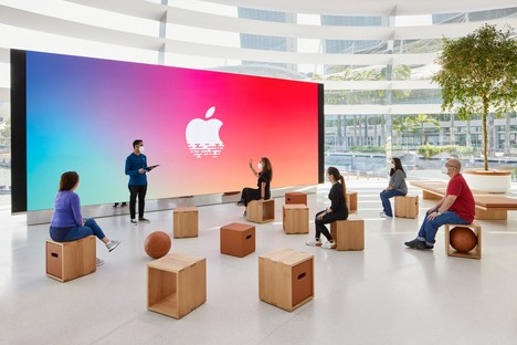 Foster and Partners Apple Marina Bay Sands en Singapur, una tienda sobre el agua