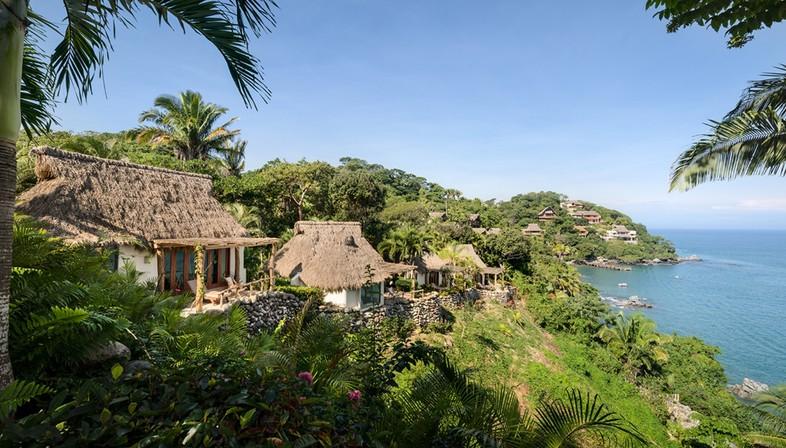 Main Office reinterpreta las tradicionales casas mexicanas de Villa Pelícanos, en Sayulita