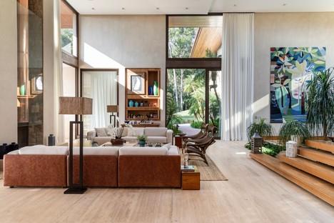 Gilda Meirelles Arquitetura EQ House materiales naturales para una casa en la naturaleza