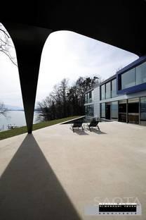 Arquitectura de texturas y materiales en el lago de Ginebra