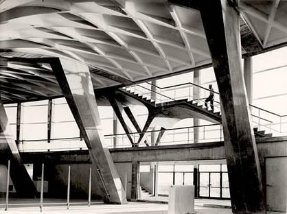 Pier Luigi Nervi, Palacio de Deportes  (Roma - EUR). Cortesía de la Fondazione MAXXI
