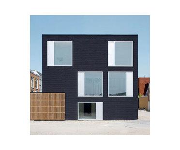 Pasel Kuenzel, Black Diamant residencia V35K18, Holanda