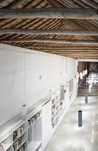 Public Library Mar�Lej�aga by Rubens Cortes