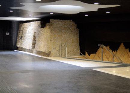Oscar Tusquets Blanca, Estaciones del arte Toledo, Nápoles