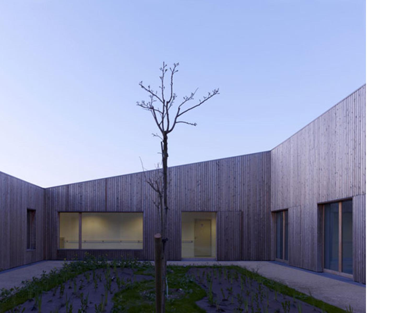 atelier zuendel cristea medical care center limay floornature. Black Bedroom Furniture Sets. Home Design Ideas