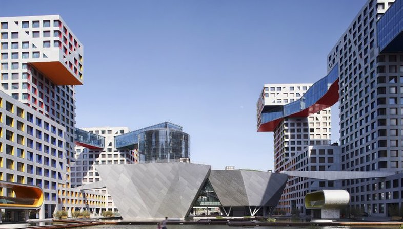 mostra City in a City: a Decade of Urban Thinking by Steven Holl Architects