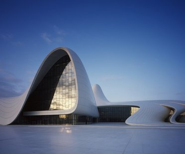 El Heydar Aliyev Center de Zaha Hadid gana el Design of the Year 2014