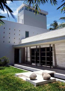 Luis Pons Design Lab: 4600 North Bay Road Residence, Miami