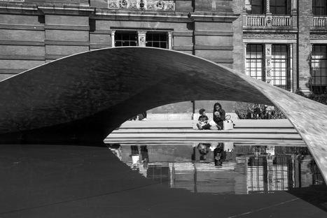 Zaha Hadid Architects, Instalación Crest en el London Design Festival