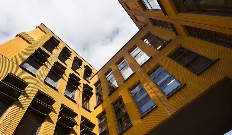 KTA Kadarik Tüür firma el Instituto de Física de la Universidad de Tartu (Estonia)