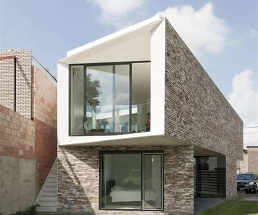 Casa K de Graux & Baeyens, casa patio en Buggenhout (Bélgica)