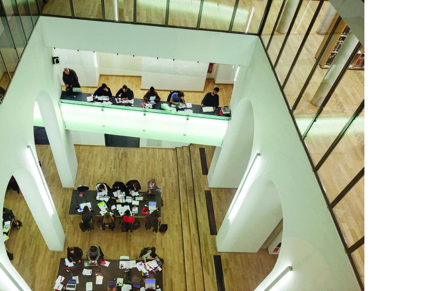 Michelin et Associés BNU Biblioteca Nacional Universitaria de Estrasburgo