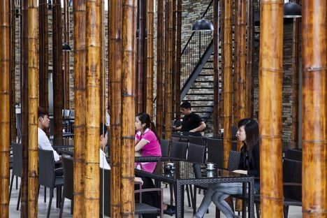 Vo Trong Nghia y el Son La Restaurant en Vietnam