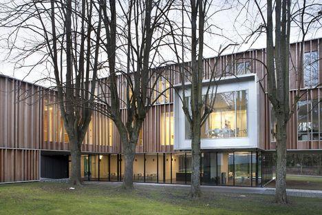V+ e Bouwtechniek: ampliación del ayuntamiento de Montigny-Le-Tilleul