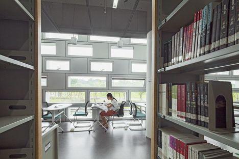 Urbanus y la biblioteca universitaria de la SUST en Shenzhen