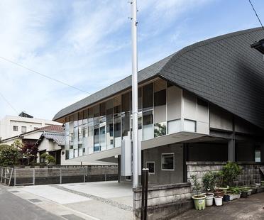 y+M design office proyecta la Y Ballet School de Tokushima