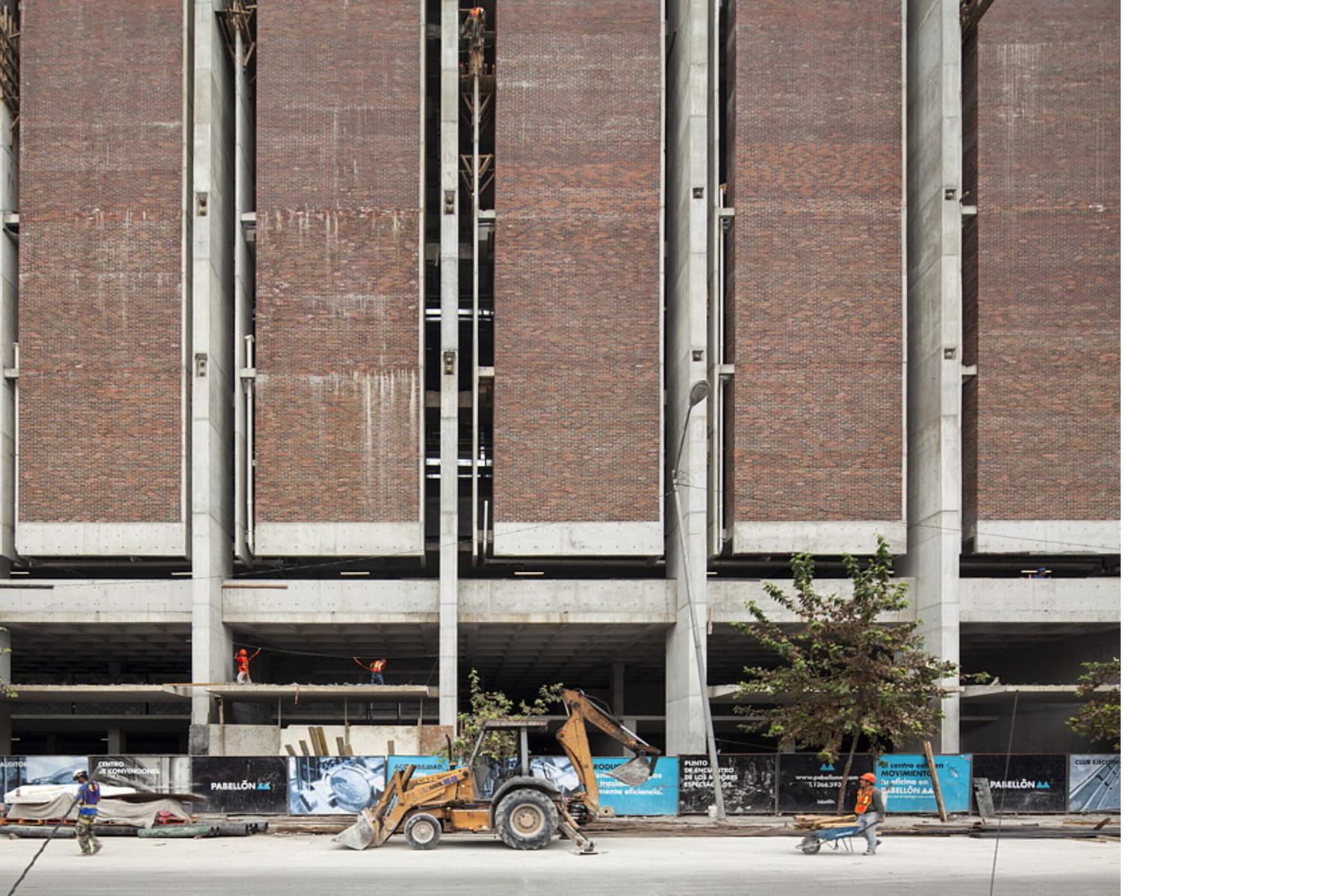Landa Arquitectos Pabellon M En Monterrey Mexico