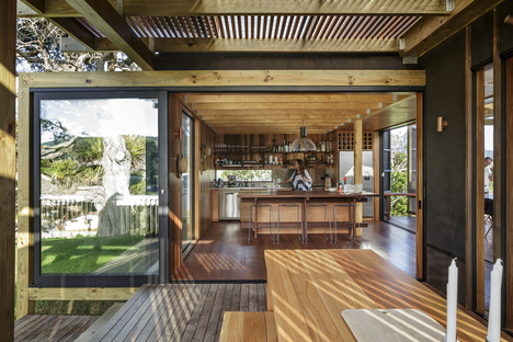 Herbst Architects: Castle Rock Beach House al norte de Auckland