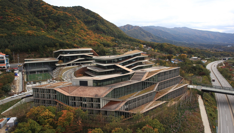 Kengo Kuma y el proyecto del instituto Naver Connect One en Corea
