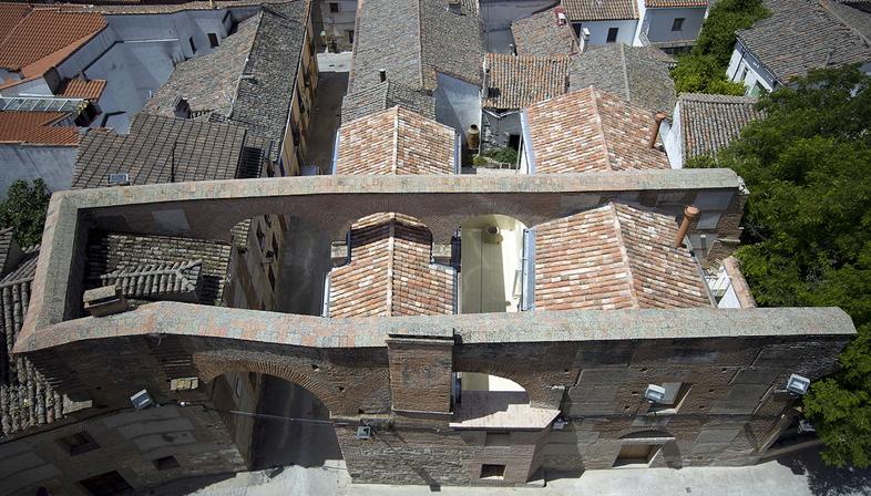 Paredes Pedrosa arquitectos: Dos viviendas en Oropesa