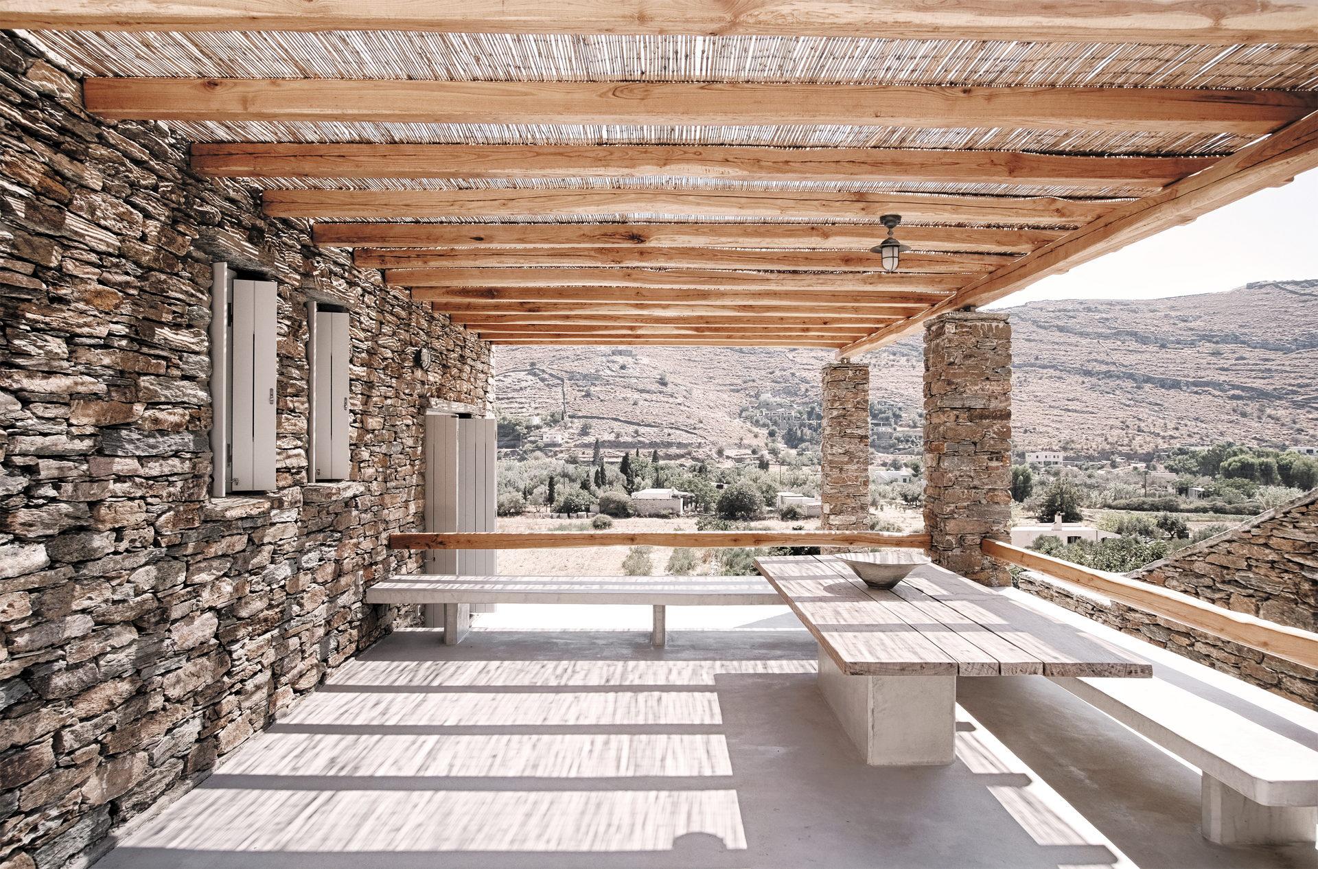 Cometa Architects: Rocksplit, casa en la Isla de Ceos, Cícladas