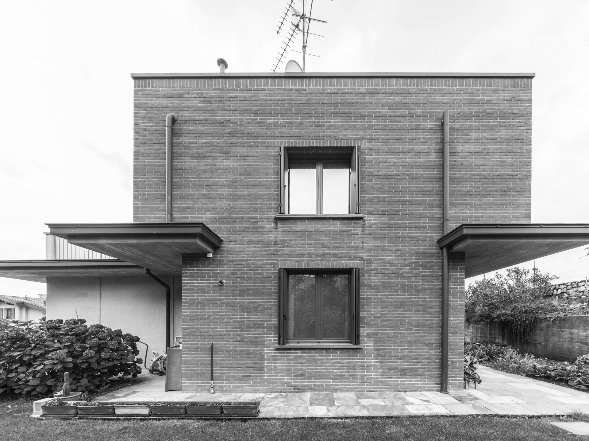 Casa MCR de CN10: reforma y ampliacion de una vivienda unifamiliar ...