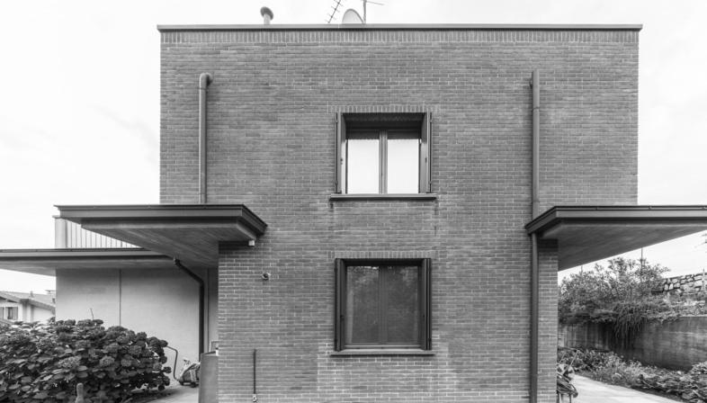 Casa MCR de CN10: reforma y ampliación de una vivienda unifamiliar