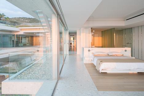 BLANKPAGE Architects y Karim Nader Studio: Villa Kali en Líbano